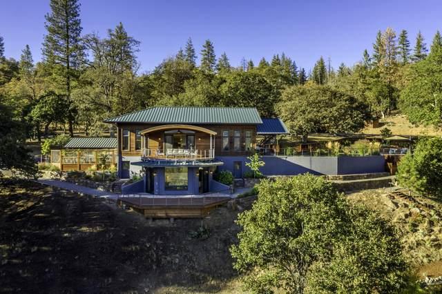 5577 Little Applegate Road, Jacksonville, OR 97530 (MLS #220111628) :: Central Oregon Home Pros