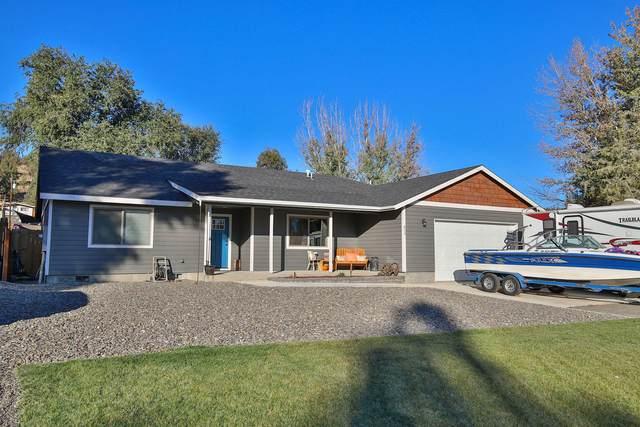 835 SW Cliffside Lane, Prineville, OR 97754 (MLS #220111633) :: Berkshire Hathaway HomeServices Northwest Real Estate
