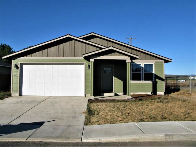 647 SW Liberty Drive, Metolius, OR 97741 (MLS #220111656) :: The Ladd Group