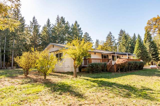 6176 Neill Road, Grants Pass, OR 97527 (MLS #220111681) :: Central Oregon Home Pros