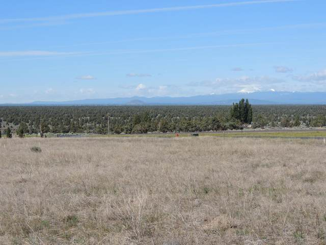 712 SW Pinnacle Court, Powell Butte, OR 97753 (MLS #220111683) :: Central Oregon Home Pros
