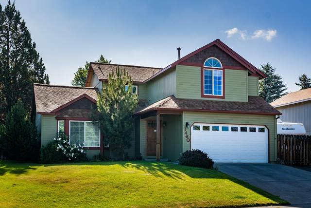 1460 NE Boston Place, Bend, OR 97701 (MLS #220111703) :: Fred Real Estate Group of Central Oregon