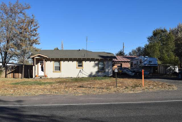 8220 11th Street, Terrebonne, OR 97760 (MLS #220111720) :: Fred Real Estate Group of Central Oregon