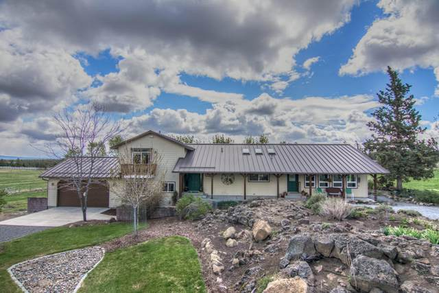 61265 Ward Road, Bend, OR 97702 (MLS #220111731) :: The Ladd Group