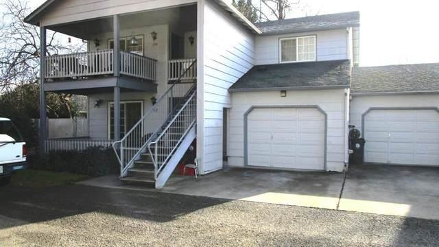 522 Village Drive, Central Point, OR 97502 (MLS #220111749) :: The Ladd Group