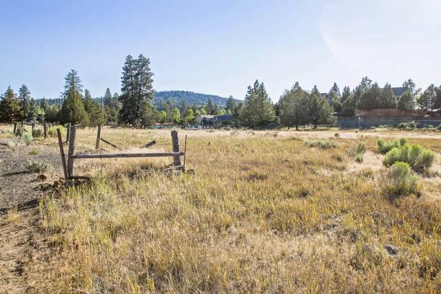 20300 Halfway Road, Bend, OR 97703 (MLS #220111752) :: Vianet Realty