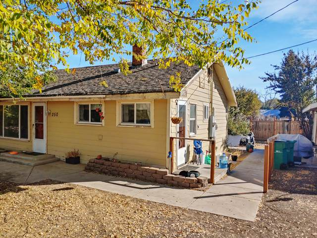 250 Delta Street, Klamath Falls, OR 97601 (MLS #220111758) :: Rutledge Property Group
