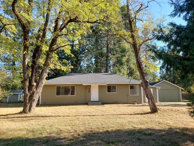115 Hogue Drive, Selma, OR 97538 (MLS #220111858) :: Windermere Central Oregon Real Estate