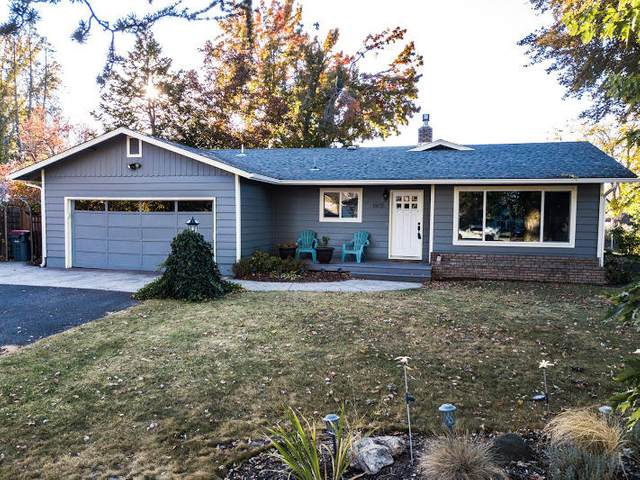 1802 Orchard Home Drive, Medford, OR 97501 (MLS #220111859) :: Windermere Central Oregon Real Estate