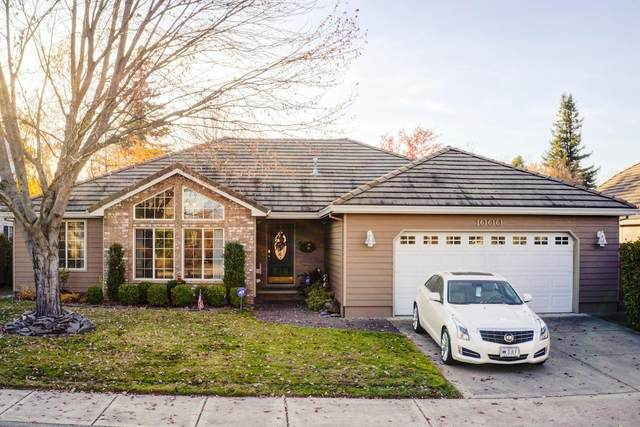 1000 Jackson Creek Drive, Central Point, OR 97502 (MLS #220111975) :: Top Agents Real Estate Company