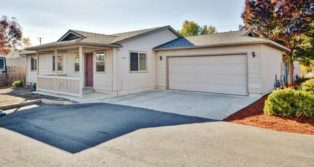 2370 Corona Avenue, Medford, OR 97504 (MLS #220112059) :: Premiere Property Group, LLC