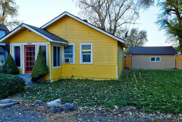 2020 Arthur Street, Klamath Falls, OR 97603 (MLS #220112228) :: The Ladd Group