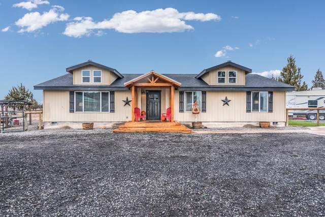 1742 NW Pinecrest Drive, Prineville, OR 97754 (MLS #220112389) :: Fred Real Estate Group of Central Oregon