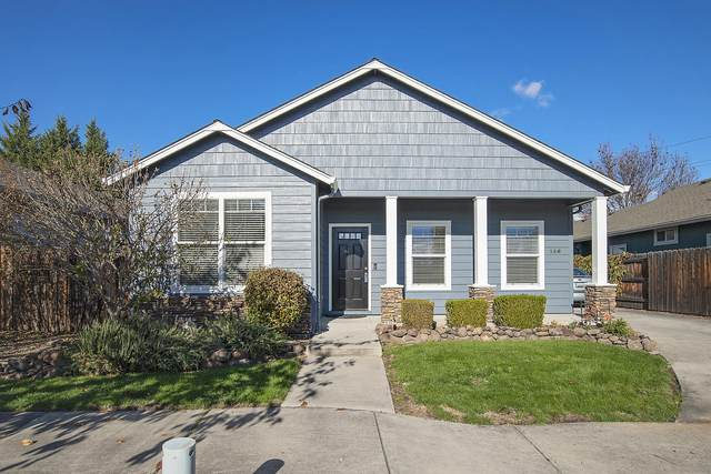 156 Lavender Lane, Central Point, OR 97502 (MLS #220112396) :: Top Agents Real Estate Company