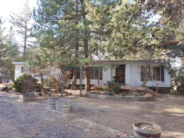 60957 Mcmullin Drive, Bend, OR 97702 (MLS #220112408) :: The Payson Group
