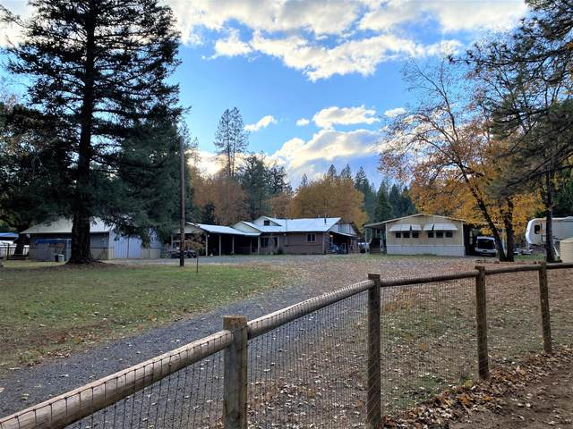 2465 Pine Grove Road, Rogue River, OR 97537 (MLS #220112413) :: Top Agents Real Estate Company
