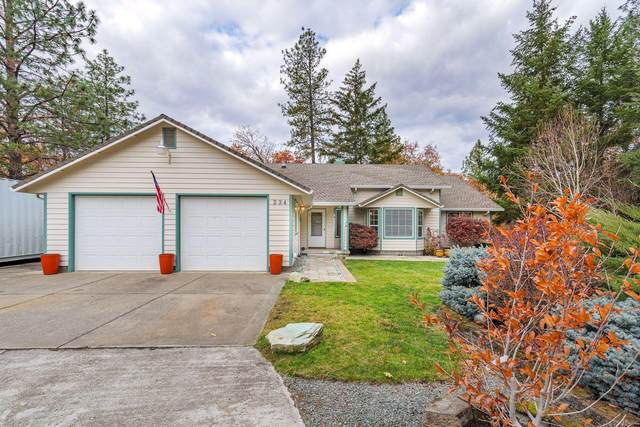 234 Mountain Pine Drive, Grants Pass, OR 97526 (MLS #220112520) :: The Ladd Group