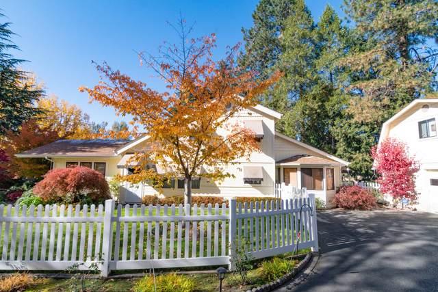 1820 Mccarter Lane, Grants Pass, OR 97527 (MLS #220112595) :: Premiere Property Group, LLC