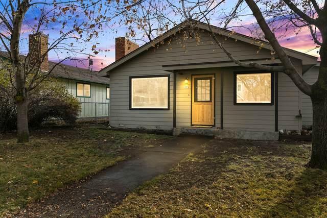 445 NE Emerson Avenue, Bend, OR 97701 (MLS #220112711) :: Rutledge Property Group