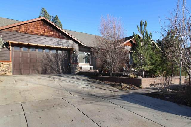 2406 NW Summerhill Drive, Bend, OR 97703 (MLS #220112739) :: The Payson Group