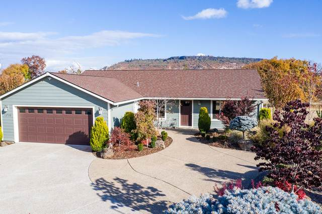10796 Kildee Avenue, Central Point, OR 97502 (MLS #220112772) :: Top Agents Real Estate Company