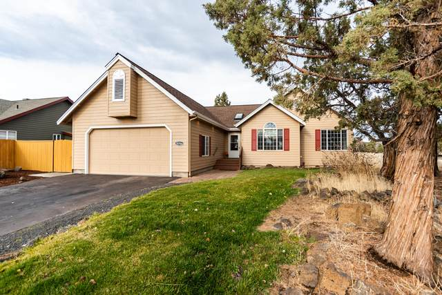 20766 South Loop Place, Bend, OR 97703 (MLS #220112803) :: Coldwell Banker Bain