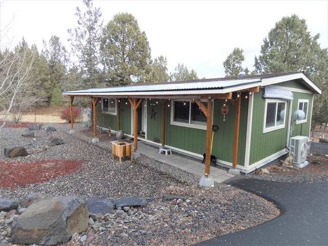 15144 SE Easy Street, Prineville, OR 97754 (MLS #220112810) :: Bend Relo at Fred Real Estate Group