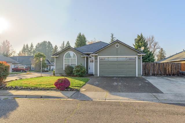 1319 Greentree Way, Central Point, OR 97502 (MLS #220112912) :: Bend Relo at Fred Real Estate Group