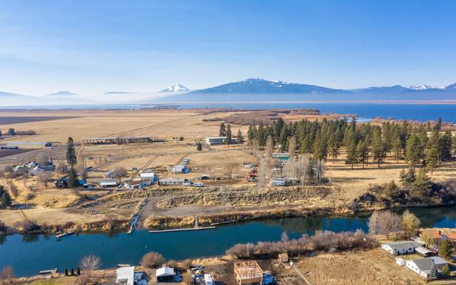 32323 Modoc Point Road, Chiloquin, OR 97624 (MLS #220112947) :: Bend Relo at Fred Real Estate Group