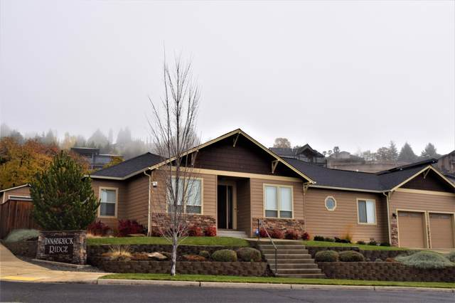 4441 Vista Pointe Drive, Medford, OR 97504 (MLS #220112968) :: Vianet Realty