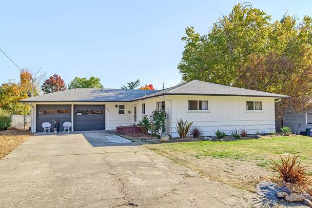 333 Sutter Avenue, Medford, OR 97504 (MLS #220112994) :: Bend Relo at Fred Real Estate Group