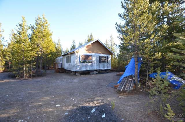 2 Adell Street, Crescent Lake, OR 97733 (MLS #220112997) :: Bend Relo at Fred Real Estate Group