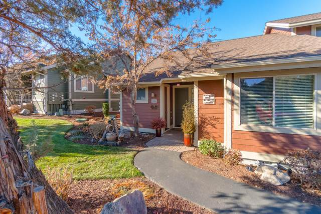 1334 Highland View Loop, Redmond, OR 97756 (MLS #220112998) :: Central Oregon Home Pros