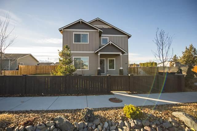 1315 SW 23rd Street, Redmond, OR 97756 (MLS #220113004) :: Premiere Property Group, LLC