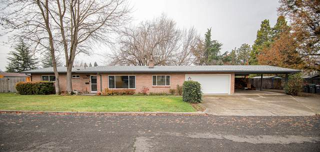 1101 Crown Avenue, Central Point, OR 97502 (MLS #220113017) :: Top Agents Real Estate Company