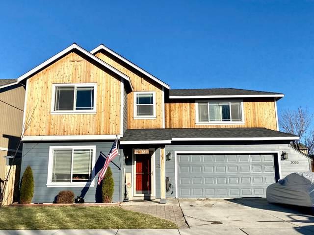 3033 SW Deschutes Avenue, Redmond, OR 97756 (MLS #220113059) :: Stellar Realty Northwest