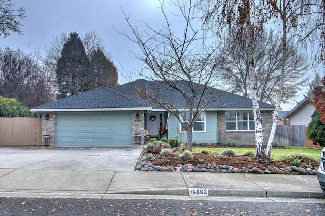 4662 Eagle Trace Drive, Medford, OR 97504 (MLS #220113088) :: Coldwell Banker Bain