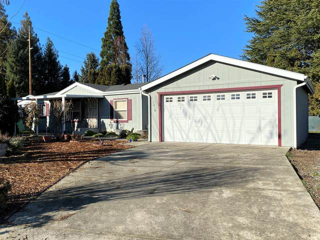 1018 Idle Court, Grants Pass, OR 97527 (MLS #220113103) :: Bend Homes Now