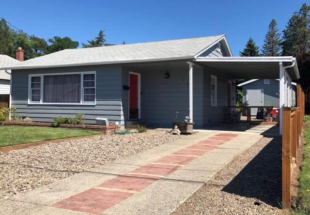 254 NE Outlook Avenue, Grants Pass, OR 97526 (MLS #220113187) :: Bend Homes Now