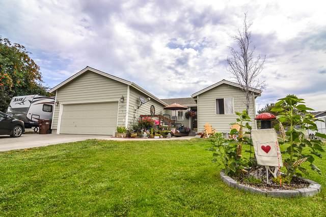 1207 NE Tamarack Court, Prineville, OR 97754 (MLS #220113194) :: Premiere Property Group, LLC