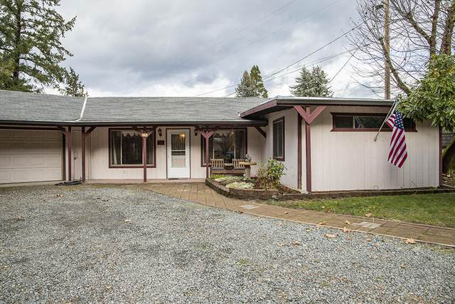 8700 Rogue River Highway, Grants Pass, OR 97526 (MLS #220113199) :: Premiere Property Group, LLC
