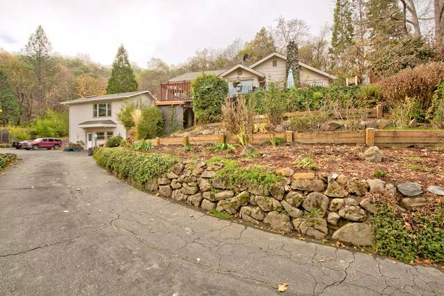 445 NW Pleasant View Drive, Grants Pass, OR 97526 (MLS #220113249) :: Premiere Property Group, LLC