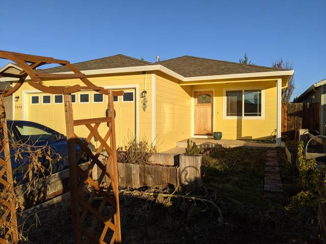 7894 27th Street, White City, OR 97503 (MLS #220113290) :: Coldwell Banker Bain