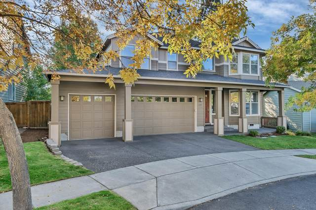 209 NW Outlook Vista Drive, Bend, OR 97703 (MLS #220113291) :: Coldwell Banker Bain