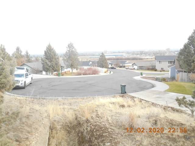 8400-TL Kenwood Drive, Madras, OR 97741 (MLS #220113299) :: Team Birtola | High Desert Realty