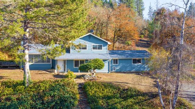 1962 Applegate Avenue, Grants Pass, OR 97527 (MLS #220113340) :: Coldwell Banker Sun Country Realty, Inc.