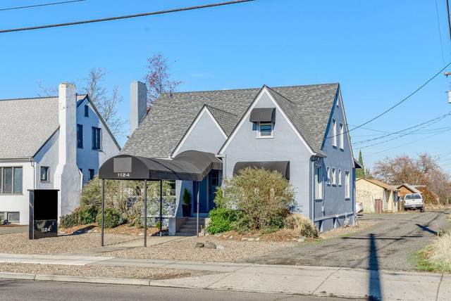 1124 W Main Street, Medford, OR 97501 (MLS #220113357) :: Coldwell Banker Sun Country Realty, Inc.