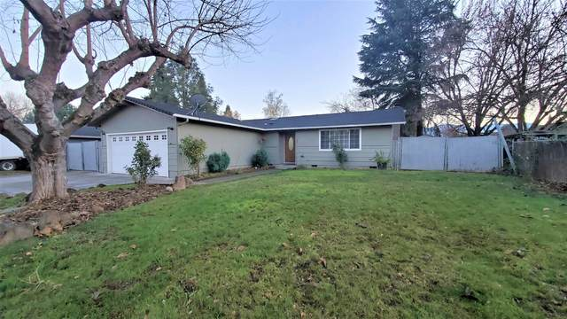 585 Arbor Drive, Medford, OR 97501 (MLS #220113372) :: Coldwell Banker Sun Country Realty, Inc.