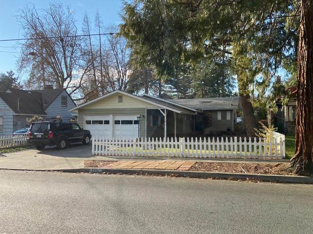 1314 NW Washington Boulevard, Grants Pass, OR 97526 (MLS #220113373) :: Coldwell Banker Sun Country Realty, Inc.