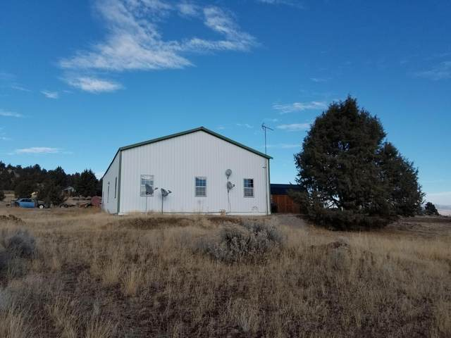 20010 Lefever Street, Klamath Falls, OR 97603 (MLS #220113380) :: Coldwell Banker Sun Country Realty, Inc.
